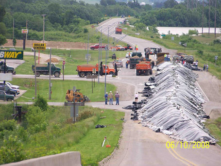 Columbus Junction Iowa levee construction before flooding in 2008