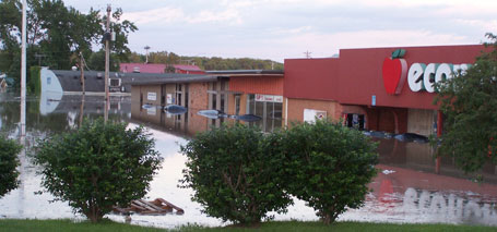 flooding in Economart grocery store in Columbus Junction Iowa