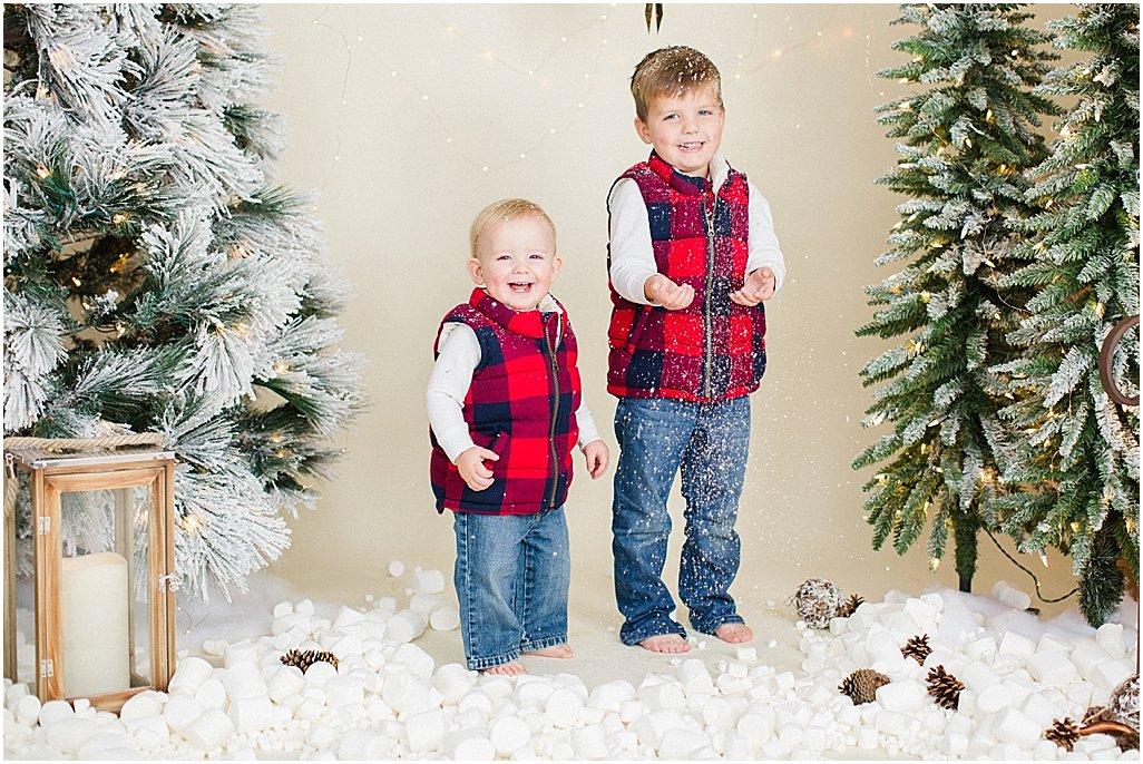 christmas-mini-sessions-arkansas-family-photographers-i-kelsey-and-weston_0011