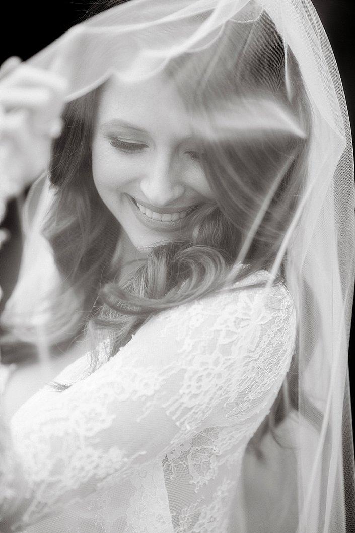 ashton-campbell-bridal-portraits-at-stone-chapel-arkansas-wedding-photographer_0013