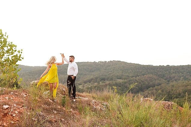 Warm Bright Sunny Arkansas Engagements // Courtney and Reeves