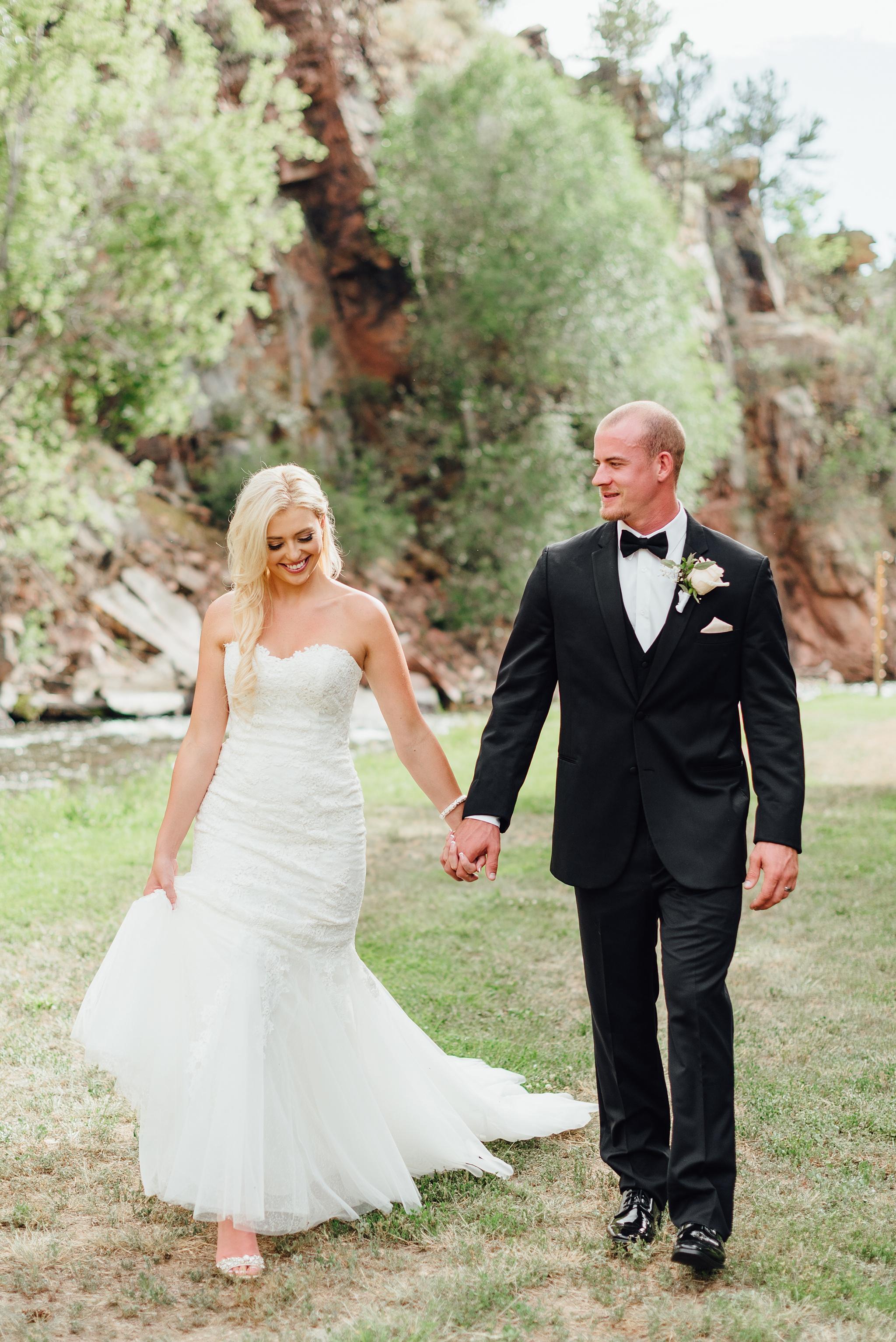 wedding at river bend in lyons, colorado