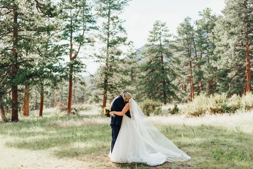 wedding at the della terra mountain chateau in estes park, colorado