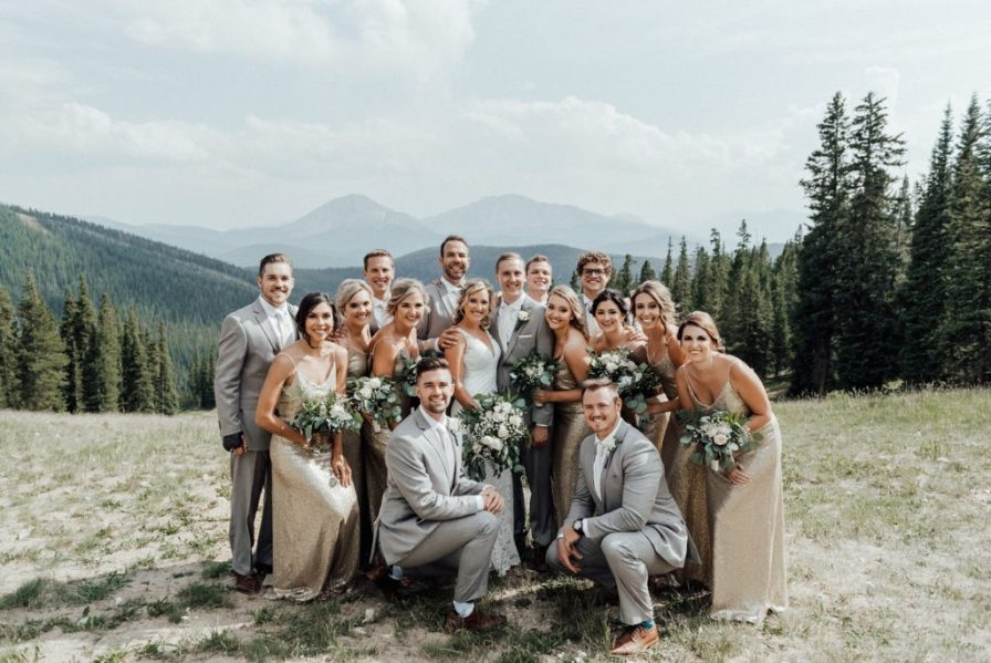Fun photo ideas for bridesmaids and groomsmen