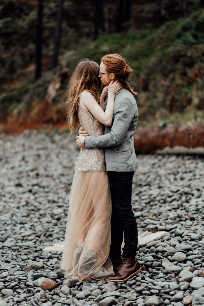 Oregon beach elopement in November
