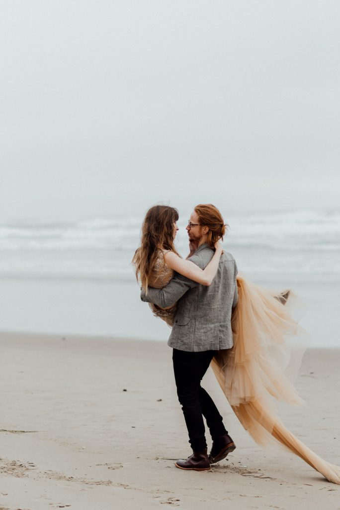 Oregon beach elopements