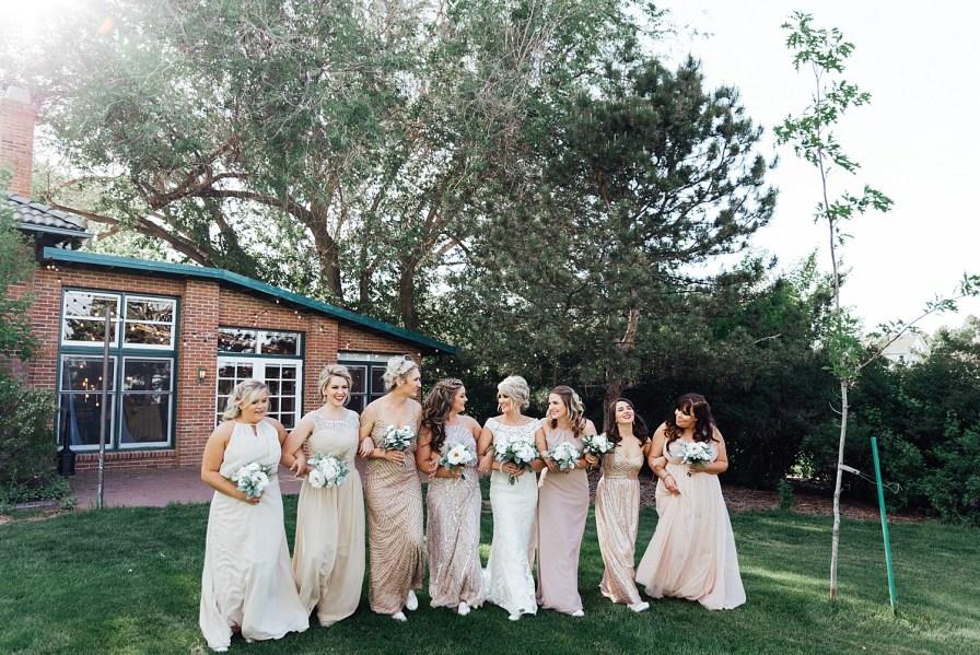 Bride and bridesmaids photo ideas, bridesmaid photo ideas, blush bridesmaid dresses, champagne bridesmaid dresses, blush bridesmaids dresses, bridesmaid dress ideas