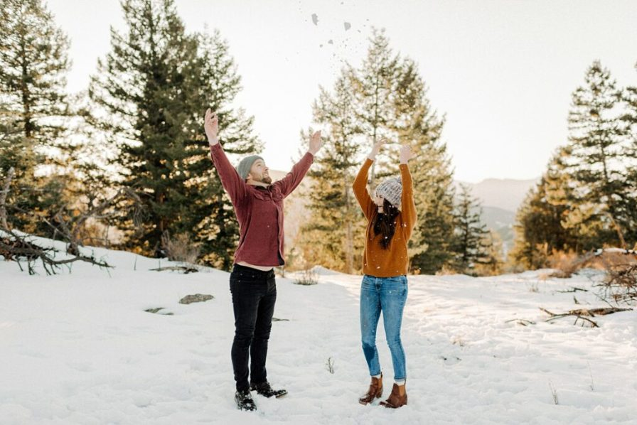 fun ideas for engagement photos