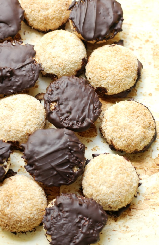 Chocolate-Dipped-Coconut-Macaroons-10