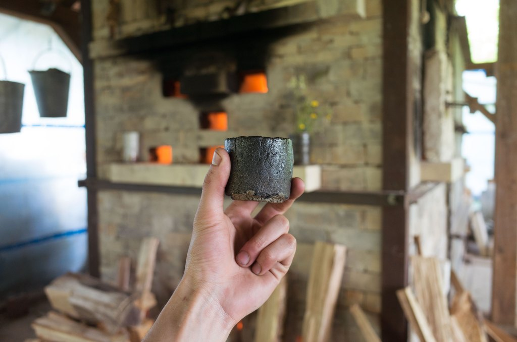 The hikidashi cup, after being pulled from the kiln whilst red-hot and now ready for use.
