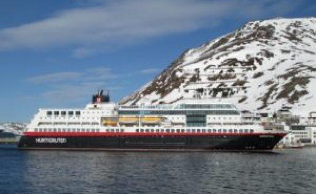 Ms Midnatsol Hurtigruten In Honningsvåg Norway