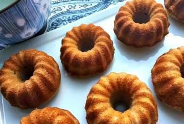 Gluten-Free Almond Poppy Cake