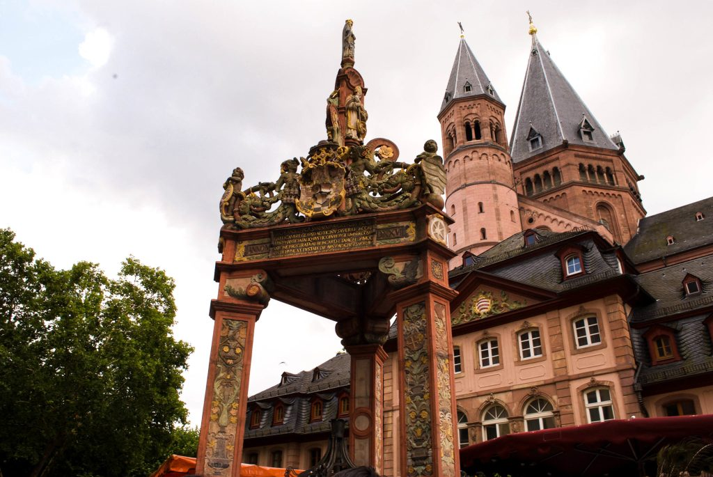 Mainz Marktbrunnen (fountain or well) in the foreground, cathedral in background