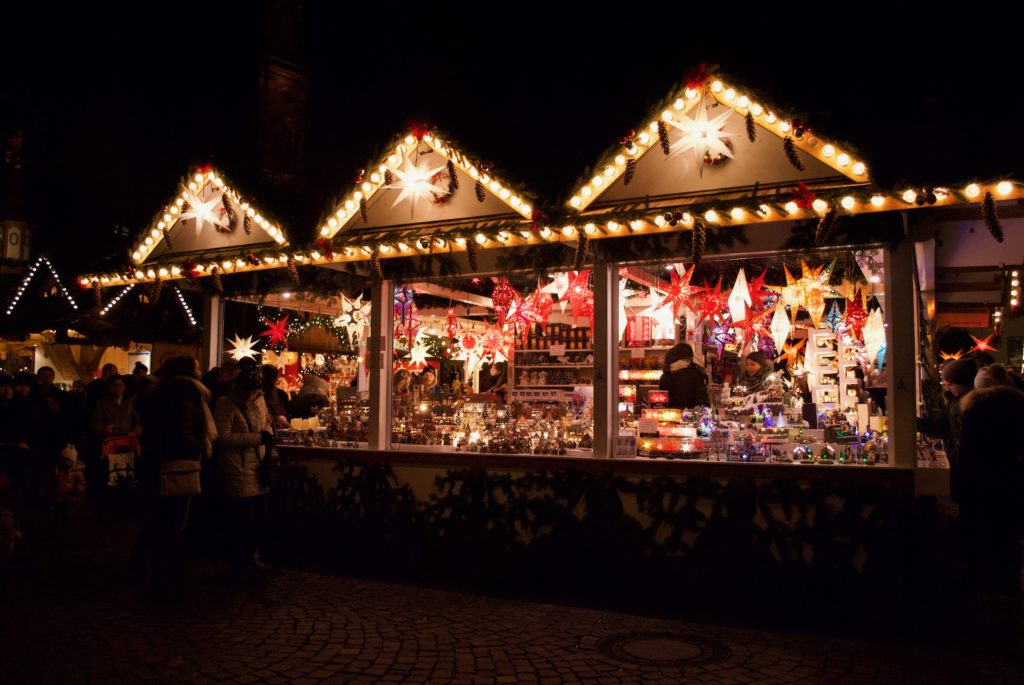 I love these lantern stalls, they are so beautiful.
