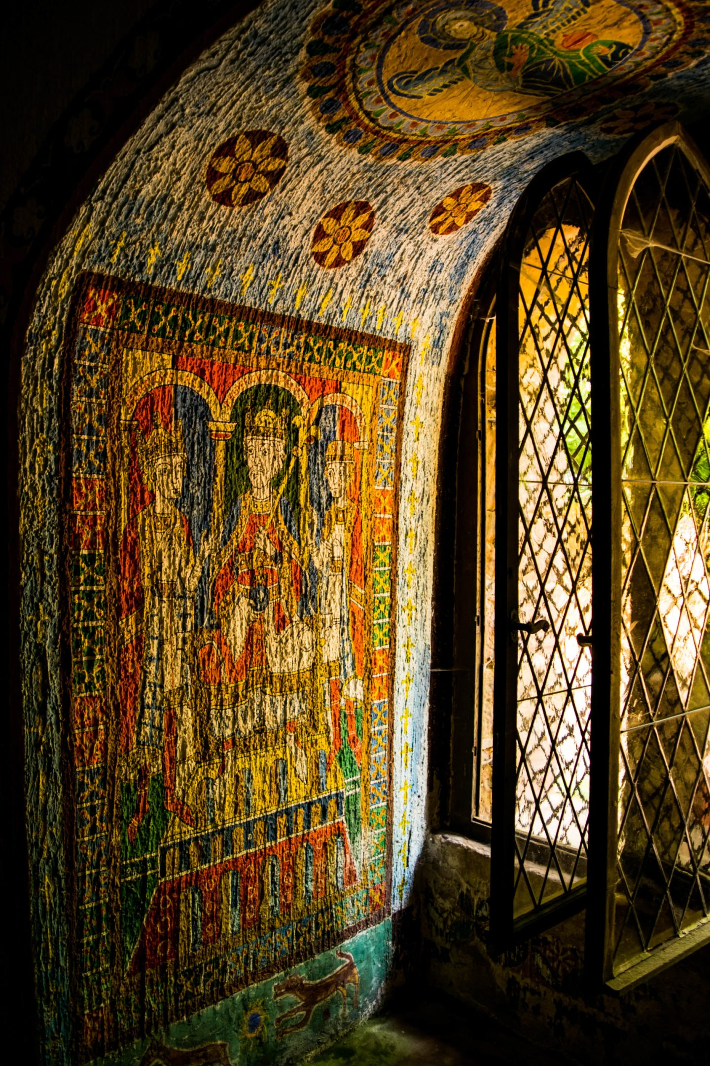 Paintings inside the little chapel in Burg Berwartstein