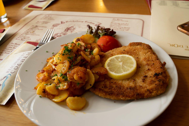 castle cochem restaurant schnitzel