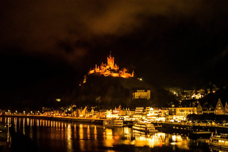 cochem castle at night