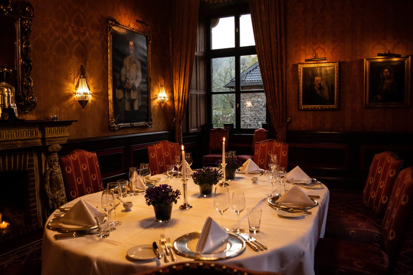 Hugenpoet dining room