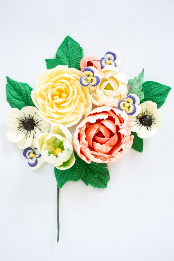 Delicious Decorations: Chocolate Flowers Craftsy Class 50% Off Link | ErinBakes.com