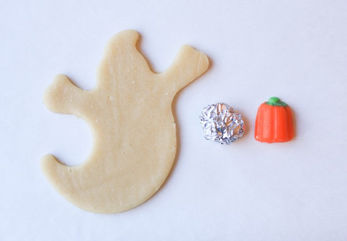 How to Make Sneaky Ghost Cookies | Erin Gardner | ErinBakes.com