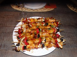 Shrimp skewers are served!