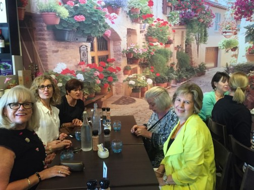 Ivy Cafe & Restaurant