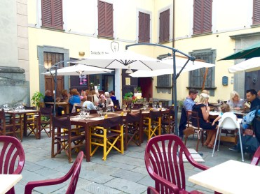 Outdoor dining at Locanda