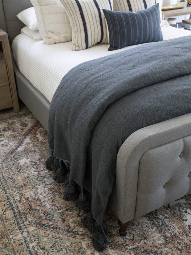 Moroccan-pom-pom-tasseled-blankets6-1000x1334.jpg