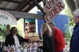 Ithaca Farmers Market apple cider vendor