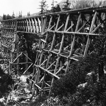 Charles MacMunn, Trestle at North Bend, BC, about 1885. Photograph, (16×21 cm). McCord Museum MP-0000.600.33