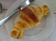 Croissant pur beurre... Vive la France!