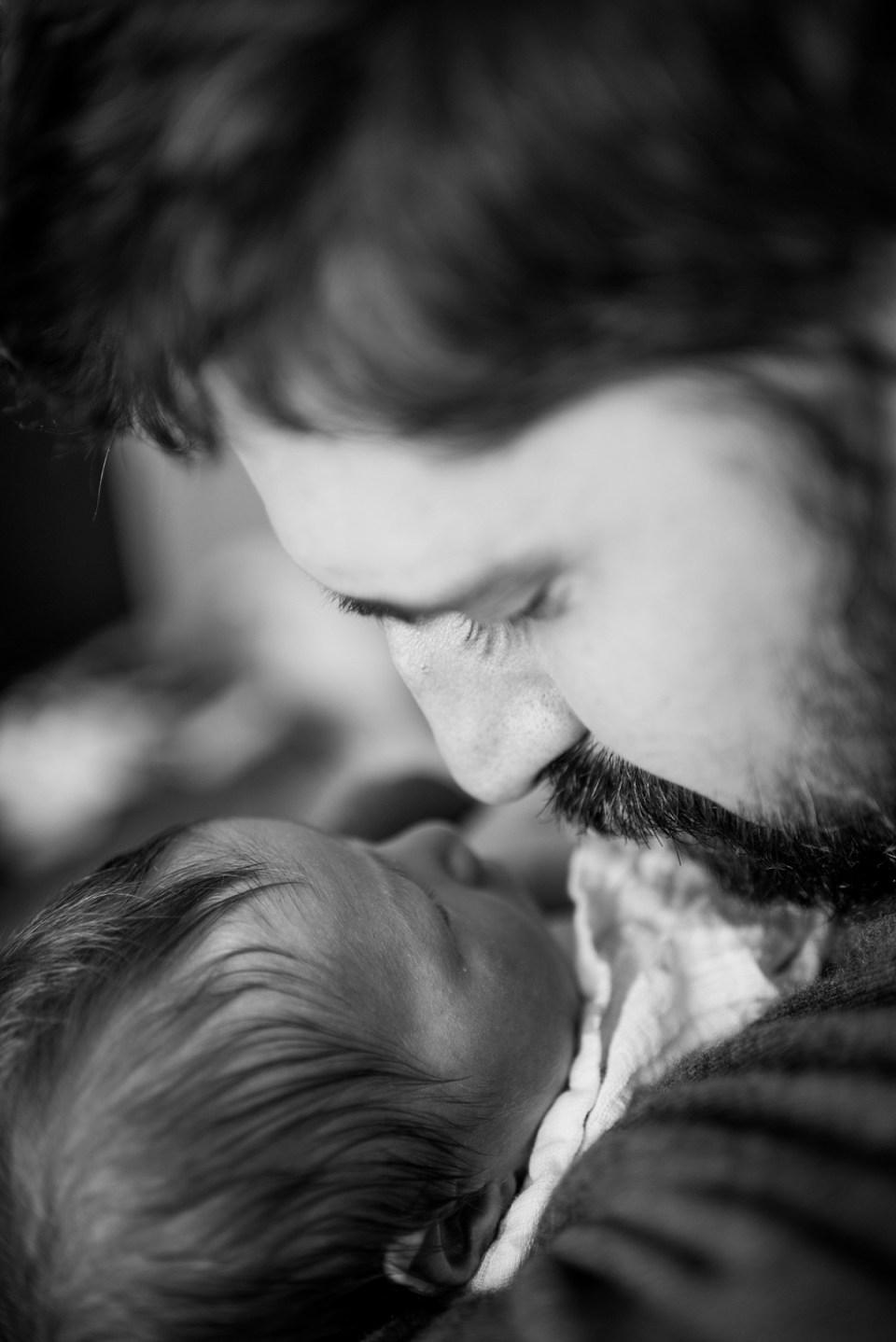 In home newborn photographer in Alexandria, VA