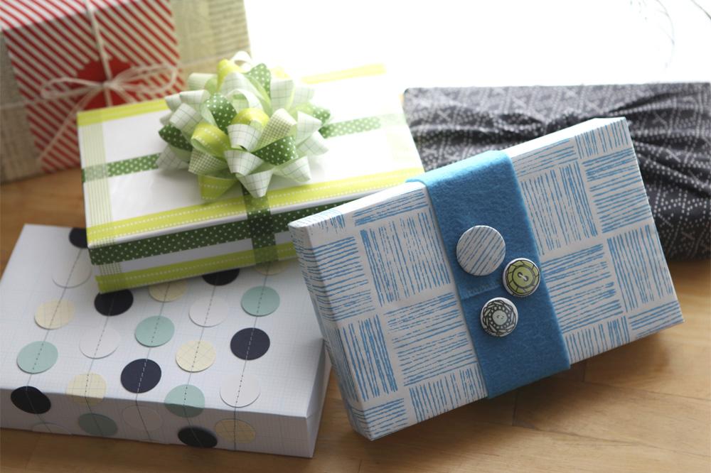 Erinzam News Gift Wrap 2011