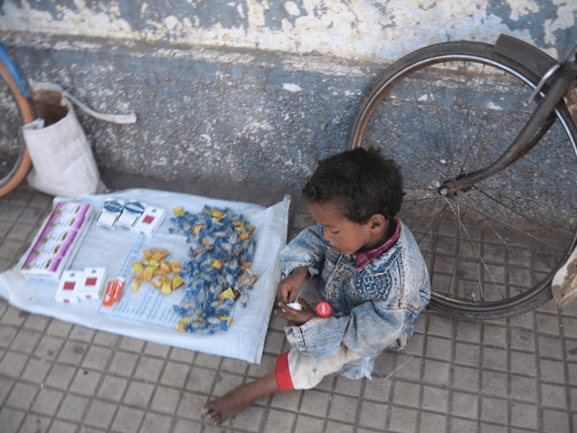 Child selling cigarettes Asmara