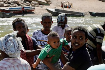 Refugees cross into Sudan