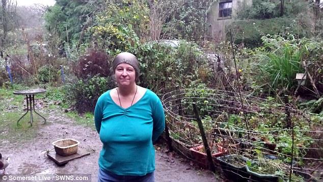 Kim De'Atta, mujer inglesa que sufre de hipersensibilidad electromagnética