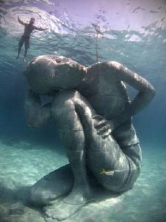 Otra de las esculturas submarinas de Jason