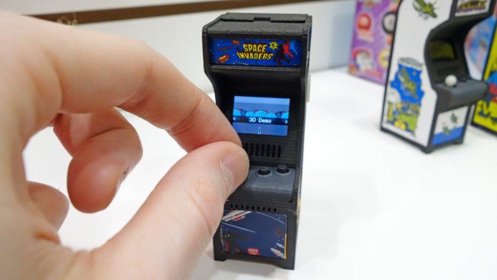 Super Impulse mini arcade con Space Invaders