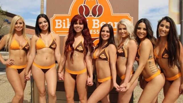 Conoce Bikini Beans Espresso, la cafetería que trabaja con camareras en bikini