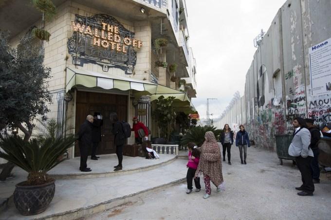 El muro de Medio Oriente no impide que llegue el turismo
