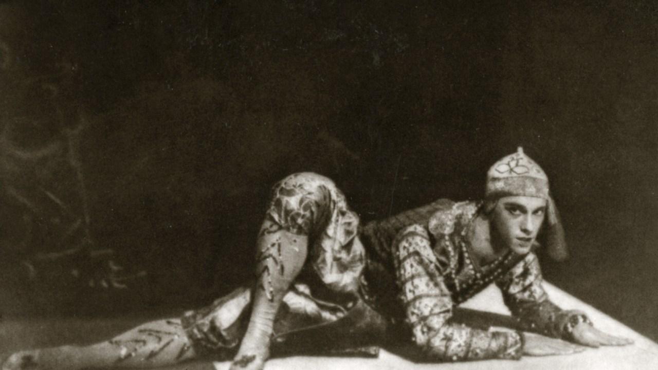 El bailarín Vaslav Nijinsky fingió ser gay para ganarse un espacio dentro del ballet ruso