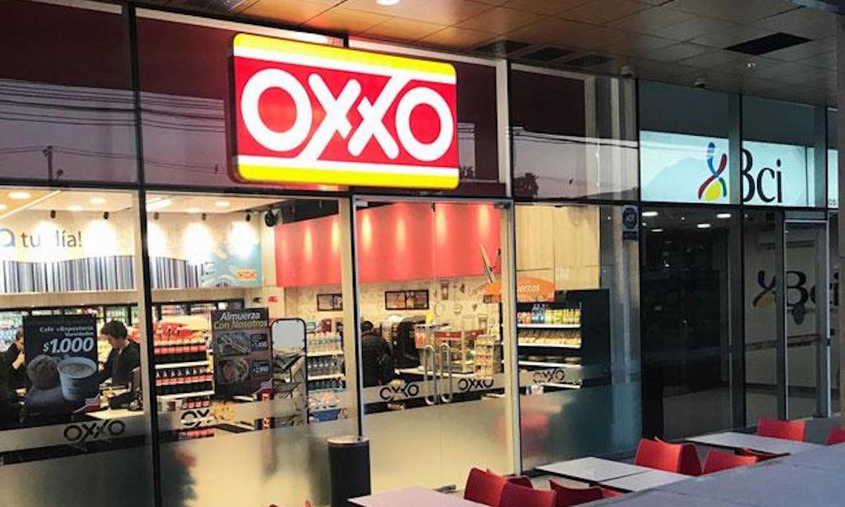 Oxxo abre su primer tienda en Chile en exclusivo centro comercial