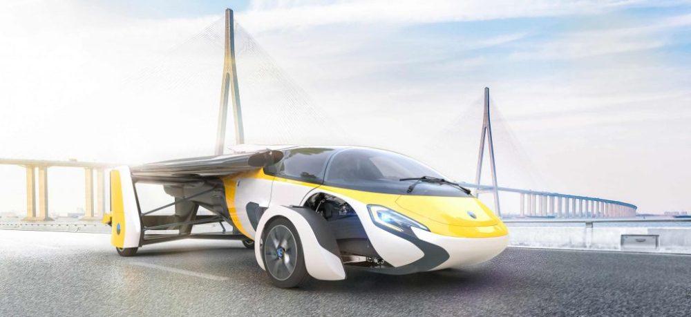 Este es el carro volador Aeromobil 4.0 con alas plegadas