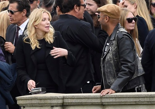 Courtney y Tom en el funeral de Chris Cornell