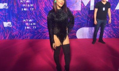 Danna Paola sexy en los mtv miaw 2017