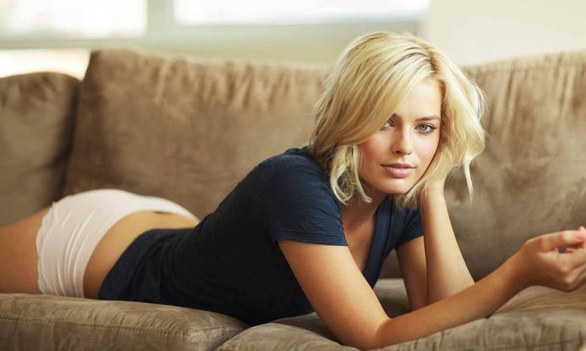 La sensual actriz Margot Robbie cumple años