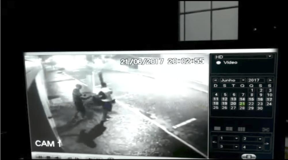 Delincuente juvenil asalta por error a policía y el resultado es mortal