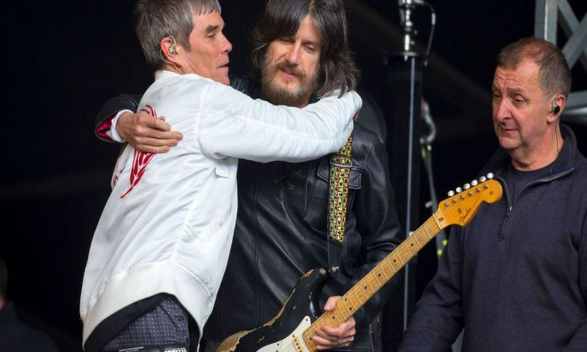 Ian Brown se despidió de una forma muy extraña en su concierto en Glasgow