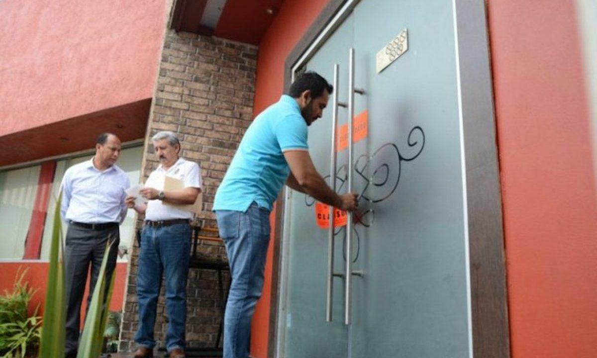 Clausuran bar en Hidalgo y dejan encerrado por cinco días al velador