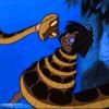 Niño sobrevive comiendo serpientes